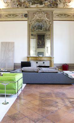 Vogliamo mostrarvi altre suggestive immagini della realizzazione firmata #STILE nel centro storico di #Brescia. Rendere unica una residenza privata in un Palazzo storico del '700 ci riempie di orgoglio e di passione per il nostro lavoro.