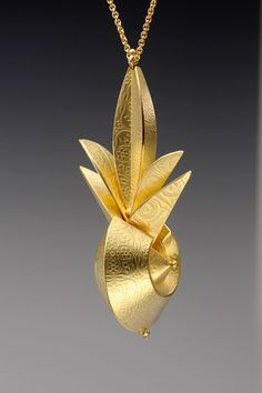 Linda Threadgill. Pendant: Gold Pendant, 1999. 18k gold. 3.8 x 3.8 x 8.3 cm. Photo by: James Threadgill.