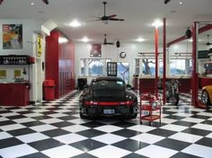 Amazing Garage with Luxurious Decoration Picture