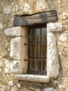 Jewel yet to find: the best villages of France Old Windows, Arched Windows, Windows And Doors, Window Dressings, Through The Window, Old Doors, Stone Houses, Window Boxes, Doorway