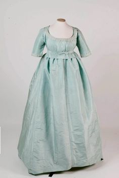 Dress, 1775-80 (looks later to me)...{and to me, more like regency period} From the National Trust
