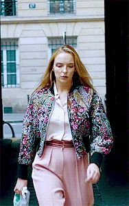 Phillip Lim flower bomber jacket, a Stella Mccartney bird blouse, and Roksanda pants Countryside Fashion, Floral Bomber Jacket, Jodie Comer, Casual Outfits, Fashion Outfits, Classy Casual, Cool Costumes, Fashion Details, Pattern Fashion