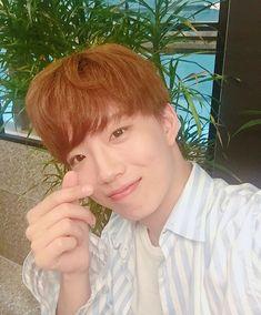 Minhyuk, Rapper, Fandoms, Concert, Kpop, Men's, Black People, Concerts, Fandom