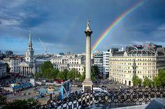 Trafalgar Square on a rainy day in #London http://www.nyhabitat.com/blog/2012/09/20/visit-london-rainy-day/