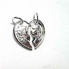 Colgante de plata lisa de corazon partido para hacer dos Colgantes de enamorados de dimensiones 2 cm x 2 cm