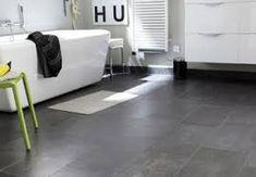 Image associée Sol Pvc, Tile Floor, Bathtub, Flooring, Cool Stuff, Leroy Merlin, Home, Images, Bathroom Gray