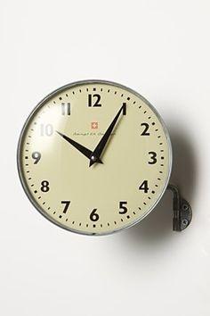 In-Motion Clock  ($50-100) - Svpply
