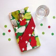 Grande serviette de table enfant, rouge, verte et blanche