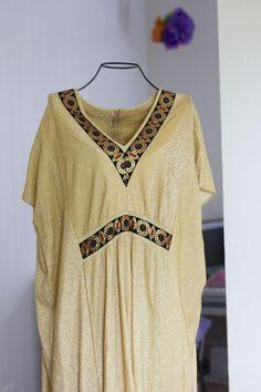 Vintage Caftan Dress - Gold Metallic Size Large - Retro Fashion