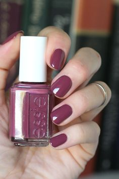 For the third year in a row now, every time Fall rolls around I start craving the colour mauve on my nails. Essie makes some great opt...