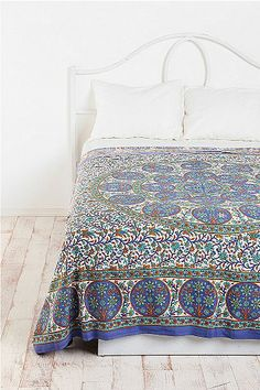 Floral Sphere Tapestry Throw
