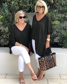 Best Fashion Tips For Women Over 60 - Fashion Trends Over 60 Fashion, Over 50 Womens Fashion, Fashion Over 50, Fashion Top, Office Fashion, Cheap Fashion, High Fashion, Vintage Fashion, Mature Women Fashion