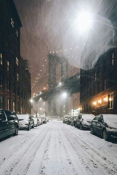 """Even a blizzard couldn't produce the lines of """"snow"""" in the background. Snowing (New York City) by A Frenchman In NY / Winter Szenen, New York Winter, New York Snow, Nyc Snow, City Aesthetic, Snow Scenes, City That Never Sleeps, Belle Photo, Empire State Building"""