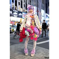 Harajuku Designer w/ Plush Toys Skirt, 6%DOKIDOKI, Swankiss Kawaii... ❤ liked on Polyvore featuring bow and clip