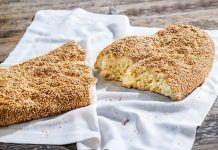 Λαγάνα από τα χεράκια σας Pita Recipes, Greek Recipes, Gourmet Recipes, Greek Bread, Greek Desserts, Savory Pastry, Cheese Appetizers, Bread Bun, Food Categories