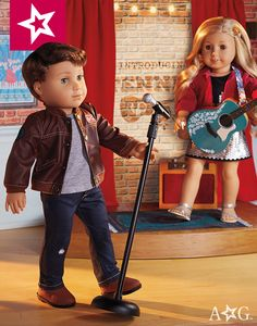 When Logan takes the stage, he's sure to wear his gray tee, distressed jeans, faux leather and of course his boots. $34