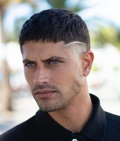 Low fade haircuts are one of the most popular ways to wear fades. Check out these 25 pictures of low fades for short, curly, or black hair and more. Cool Mens Haircuts, Cool Hairstyles For Men, Best Short Haircuts, Haircuts For Men, Medium Hairstyles, Wedding Hairstyles, Short Fade Haircut, Crop Haircut, Short Hair Cuts