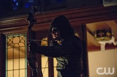 "Arrow -- ""City of Heroes"" -- Image AR201c_0449b -- Pictured: Stephen Amell as The Arrow -- Photo: Cate Cameron/The CW -- © 2013 The CW Network. All Rights Reserved"