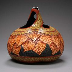 Amazing Gourd Art by Marilyn Sunderland Turns Fall Vegetables into Fabulous Home Decorations Decorative Gourds, Hand Painted Gourds, Sunderland, Pyrography Patterns, Gourds Birdhouse, Art Carved, Gourd Art, Pumpkin Carving, Decorative Accessories