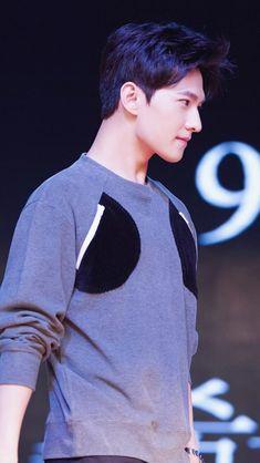Yang Wei, Yang Yang Actor, Wei Wei, Asian Actors, Korean Actors, F4 Boys Over Flowers, Korean Tv Shows, Crush Pics, Hot Korean Guys