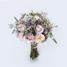 Rustic bridal bouquet | http://www.bridestory.com/orchid-florist/projects/wedding-bouquet-01