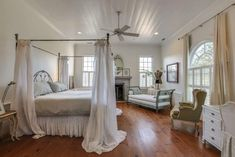 "Bonjour and welcome to our 27 photo gallery of luxury master bedrooms with hardwood floors. And as always, sharing ""The Little Plus"" (""Le Petit Plus""), hope you enjoy… Sleeping is the best kept secret for a happy and healthy life so designing a bedroom that will become your daily sanctuary is critical no matter your …"