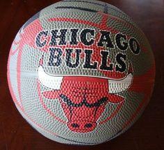 CHICAGO BULLS OFFICIAL NBA SPALDING BASKETBALL