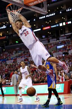 LOS ANGELES, CA - APRIL 21: Blake Griffin #32 of the Los Angeles Clippers dunks against the Golden State Warriors in Game Two of the Western Conference Quarterfinals during the 2014 NBA Playoffs at Staples Center on April 21, 2014 in Los Angeles, California. The Clippers won 138-98.