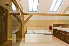 Contemporary Barn Conversion In England   10 Sichtbare Sparren, Umgebaute  Scheune, Bad Sanieren,
