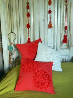 almohadones combinados con tejido.