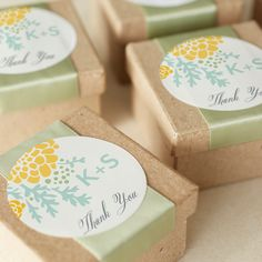 DIY Tip: Add a gift tag to your wedding favors for a gorgeous presentation.