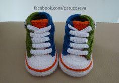 Miniconverse multicolor de crochet hechos a mano con LANA de alta calidad. Patucos de inviernoElige talla y colores!!!!Tallas: 0-3 meses (9 cm)3-6 mes