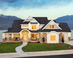 Craftsman Style House Plan - 6 Beds 5 Baths 6636 Sq/Ft Plan Exterior - F. Dream House Exterior, Dream House Plans, House Floor Plans, My Dream Home, Dream Houses, Luxury Homes Exterior, Best House Plans, Lac Tahoe, Barn Style Doors