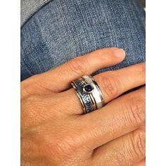 <3 Deze iXXXi ring met denim structuur, geweldig toch om je favoriete jeans te combineren met een ring