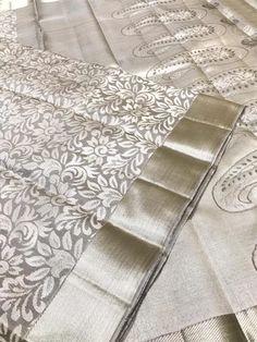 Indian Bridal Sarees, Wedding Silk Saree, Indian Silk Sarees, Soft Silk Sarees, Gold Silk Saree, Organza Saree, Half Saree Lehenga, Saree Look, Kanjivaram Sarees Silk