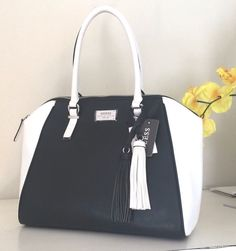 NWT GUESS WAVY Handbag Shoulder Bag Purse Satchel  Black Off White LE665907 $148