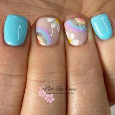 Dream Nails, Love Nails, How To Do Nails, Stylish Nails, Trendy Nails, Daisy Nails, Daisy Nail Art, Semi Permanente, Heart Nails