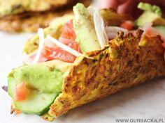 Wypróbuj cukiniowe tacos z awokado, pomidorkami, świeżą cebulką i oliwkami kalamata. Mają mało kalorii i są całkowicie bezglutenowe.
