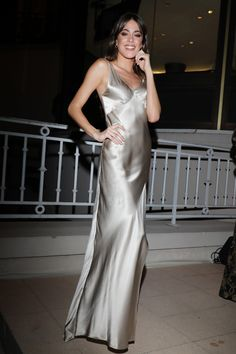 Dytto, Satin Dresses, Formal Dresses, Look Formal, Guy Best Friend, Becky G, Ideias Fashion, Classy, Elegant