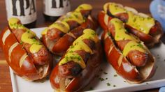 16 Ways You Should Be Eating Beer Cheese Immediately — Delish Brats Recipes, Cheese Recipes, Appetizer Recipes, Beef Recipes, Dinner Recipes, Cooking Recipes, Recipies, Appetizers, Sausage Recipes