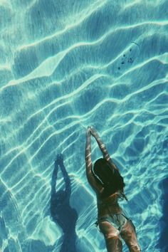 Silent underneath. #Pool #Water #Photography #Swimming #Swimsuit
