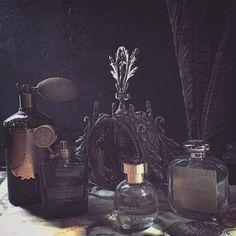 #ciretrudon #arquiste #santamarianovella #aedesdevenustas #stillife #perfumery #newyorkcity #nyc #christopherstreet #westvillage #oldworld