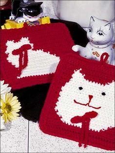 Cute Kitties Pot Holders - Easy-to-stitch pot holders are worked in yarn with size G hook. Size: Puss: 6 x Silhouette: x 7 Skill Level: Easy Designed by Rosemarie Bitticks free pdf Crochet Kitchen, Crochet Home, Knit Or Crochet, Crochet Crafts, Yarn Crafts, Crochet Projects, Free Crochet, Crochet World, Crochet Potholder Patterns