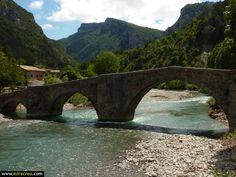 Pueblos que no deberías perderte #burgui #valledelroncal #navarra @Turismo Reyno de Navarra @navpictures #mirecreo pic.twitter.com/RSuZ66y3l3
