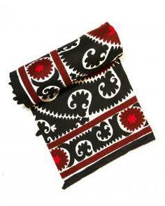 Black & Red King Suzani  toyastales.blogspot.com
