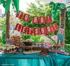 KK's Next Birthday Theme. This bright and colorful pirate party is perfect for kids. The DIY party includes parrots, palm trees and pirate ships. See all the photos. Party Kit, Party Ideas, Event Ideas, Diy Party, 4th Birthday Parties, Birthday Fun, Birthday Ideas, Deco Pirate, Pirate Theme