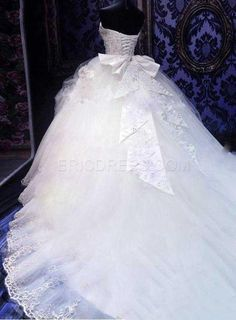 ericdress.com offers high quality   Ball Gown Sweetheart Appliques Cathedral Wedding Dress Wedding Dresses unit price of $ 246.39.