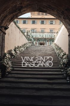 Camila's Bride Diary: Our wedding in Florence - Part 2 - Camila Carril Stair Decor, Wedding Entrance, White Flowers, Florence, Greenery, Our Wedding, Floral Design, Wedding Decorations, Stairs