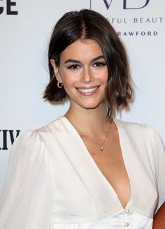 Hair trends cuts and color Hackett Polo, Kaia Gerber, Vogue Magazine, Celebs, Celebrities, Short Cuts, Cut And Color, Hair Inspo, Hair Trends