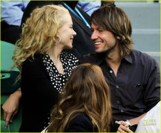 Nicole Kidman @ Australian Open Photo Mom-to-be Nicole Kidman and country superstar husband Keith Urban soulfully gaze at each other, wide-eyed and grinning in complete self-absorption at the Australian… Keith Urban, Nicole Kidman, Urban Family Pictures, Australian Open, Luke Bryan, Country Music, Superstar, Sexy Men, Beautiful People